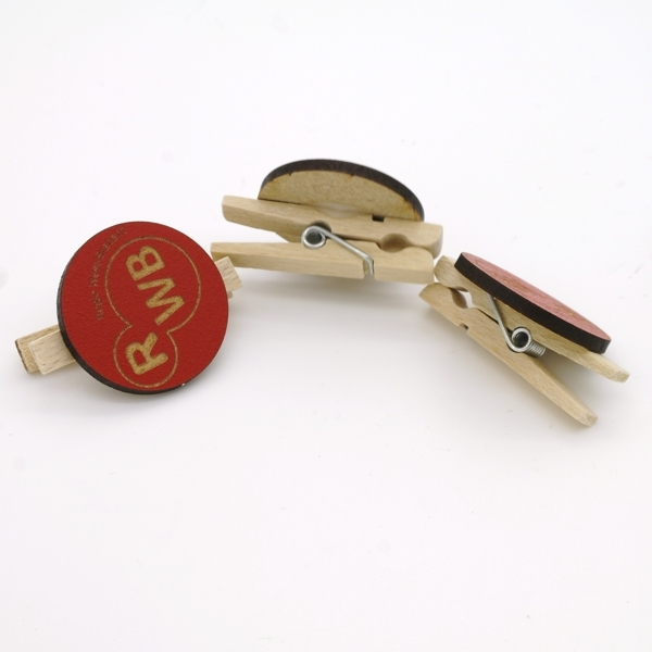 Wooden clip with engraved logo tag FSC MDF in your company color.